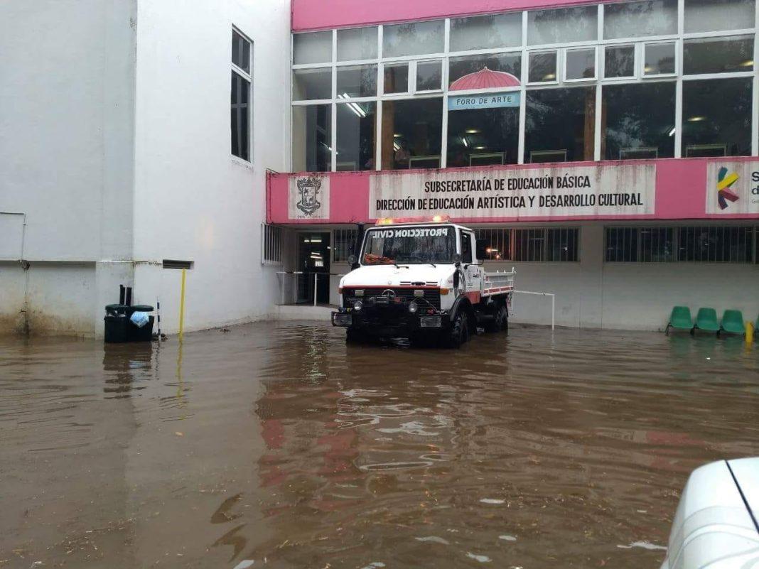 Atiende PC Estatal inundación en Dirección de Educación Artística