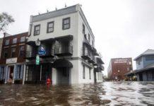 Suman al menos siete víctimas mortales por Florence
