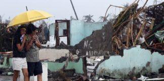 Suman 59 víctimas mortales por tifón en Filipinas