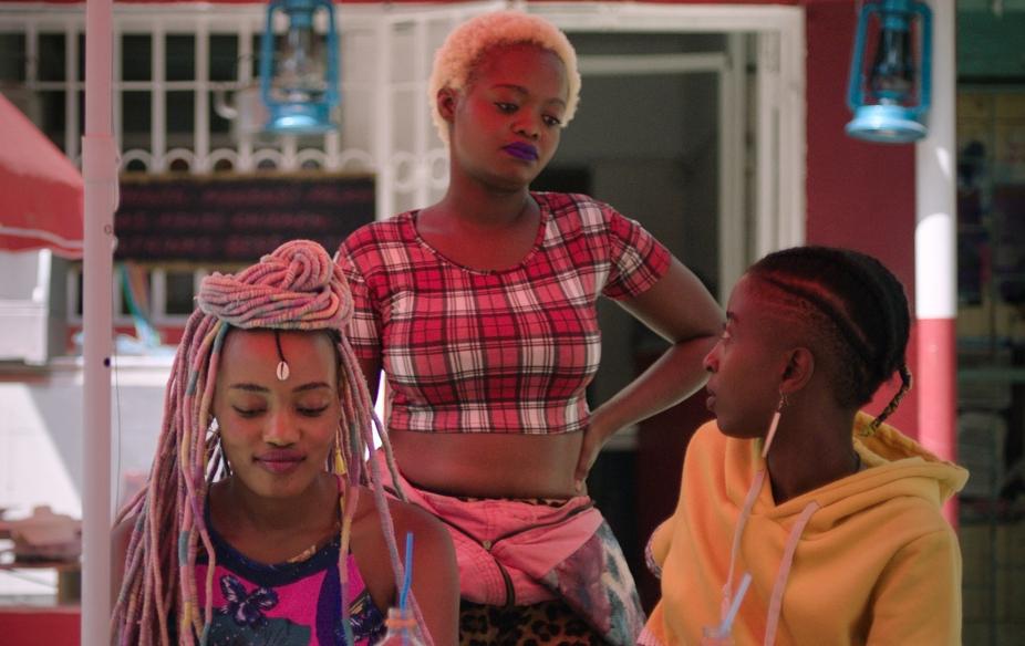"Prohíben en Kenia, la película lésbica ""Rafiki"""