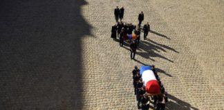 Francia rindió homenaje a Charles Aznavour