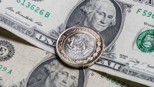 Disminuye en centavos el dólar