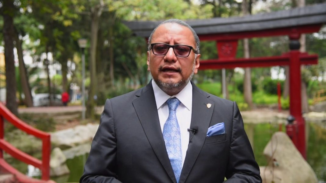 Pega acusación de narcosoborno a exfuncionario de AMLO