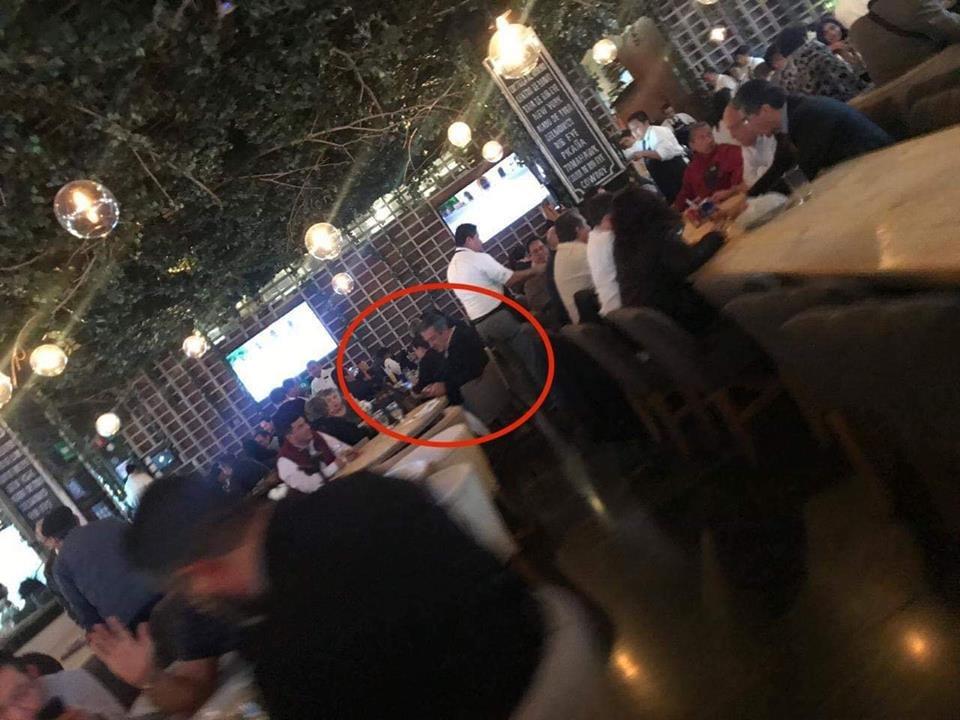 Exhiben a Morón en lujoso restaurante de la CDMX