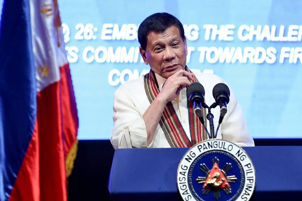 Presidente de Filipinas insulta a obispos