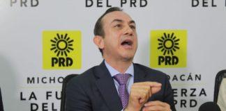 Incongruencia; PRD crítica descalificación de instituciones y descalifica al presidente