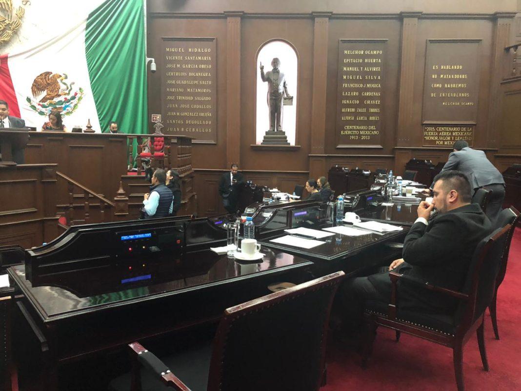 """Diputados dispersos; """"se salen para no votar"""" acusa legisladora"""