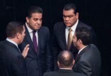 Baja de Juan Zepeda logra abandono del PRI, PAN y PRD en el senado