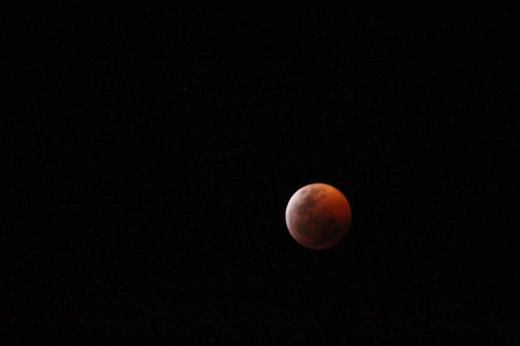 Disfruta Morelia del eclipse total de luna