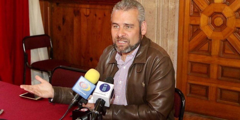 Desabasto de gasolina, consecuencia de gobiernos omisos ante el huachicol: Alfredo Ramírez