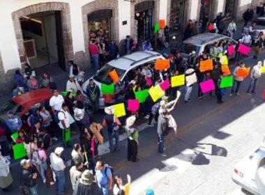 Suttebam se manifiesta; exige a gobierno de Michoacán pague salarios
