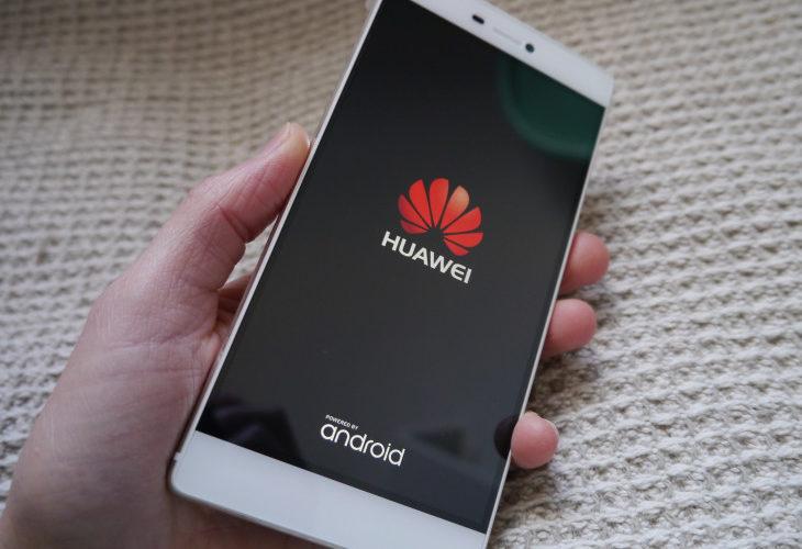 Empleados de Huawei son castigados por utilizar iPhone