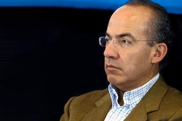 Calderón responde a Barlett