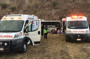 7 lesionados deja accidente de autobús