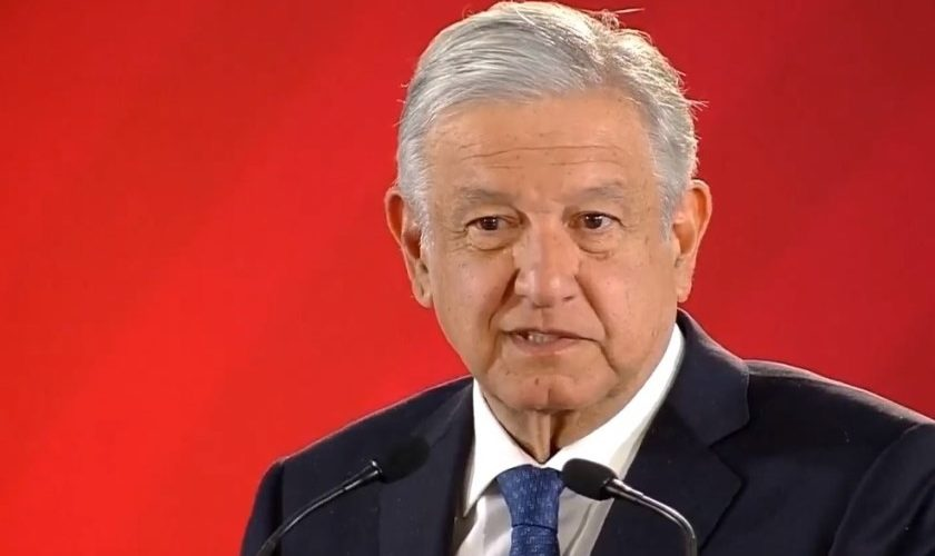 Se une AMLO a condolencia por muerte de funcionarios en Michoacán