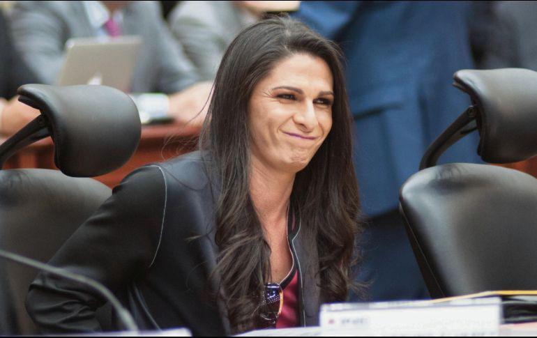 Ana Gabriela Guevara gana más que el presidente