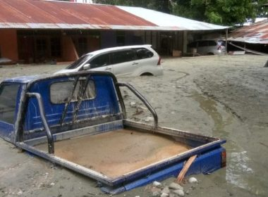 Suman al menos 61 muertos en Indonesia por inundaciones