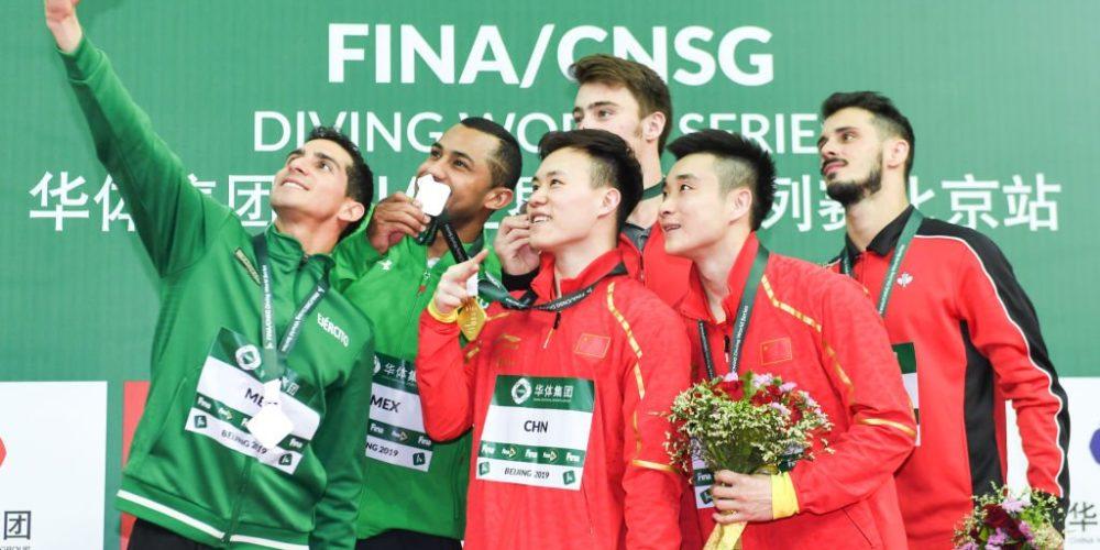 Mexicanos consiguen plata en serie Mundial de clavados