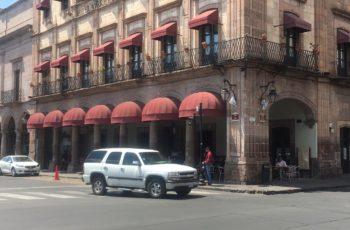 Después de 26 años de laborar en Hotel Virrey de Mendoza, empleado fue despedido