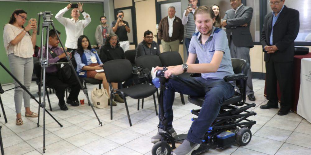 Presentan proyecto para movilidad de persona con distrofia muscular becker