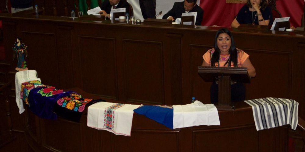 Que autoridades apoyen a artesanos: Brenda Fraga