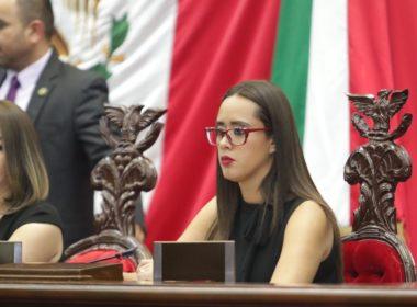 Propone Tere Mora tipificar usura como fraude específico en Código Penal