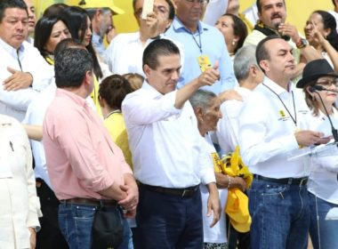 "Silvano pide ""no reelección"", pero quiere reelegirse como gobernador"