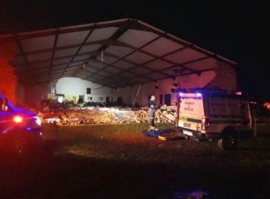 Colapsa iglesia y deja al menos 13 muertos