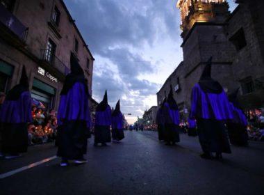 Morelia celebra 43 años de la procesión del silencio