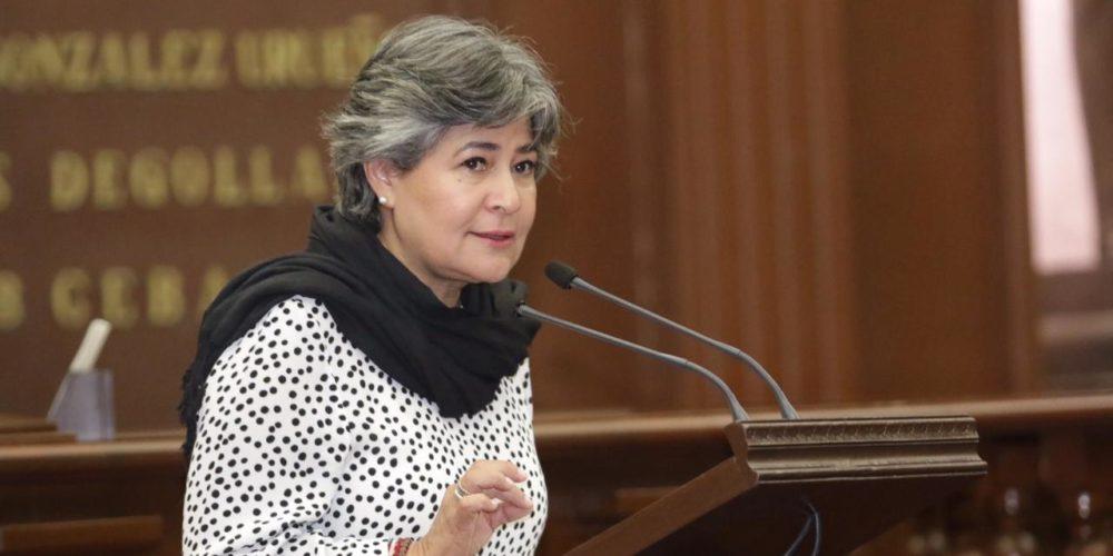 Va Mayela Salas por prohibición de bolsas de plástico, popotes y unicel en Michoacán