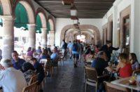 """Morelia """"hasta el tope"""" de turistas"""