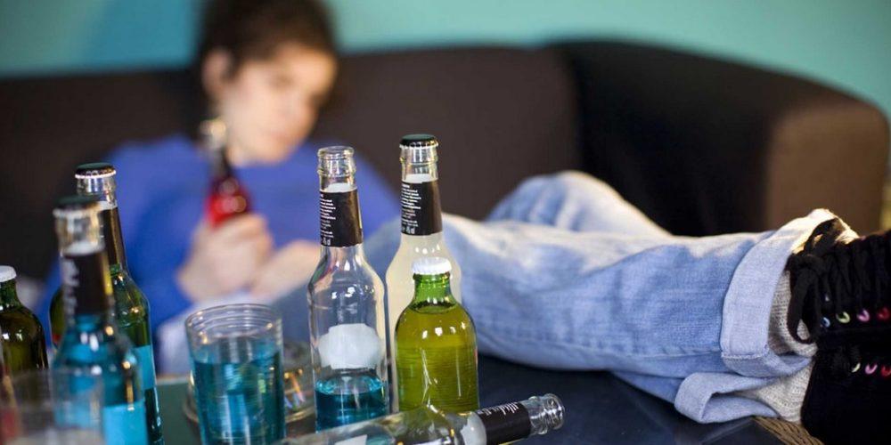 """Cada vez más niños caen en las """"garras"""" del alcohol"""