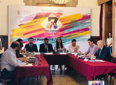 Diputados buscan interesar a jóvenes en legislación con Parlamento Juvenil
