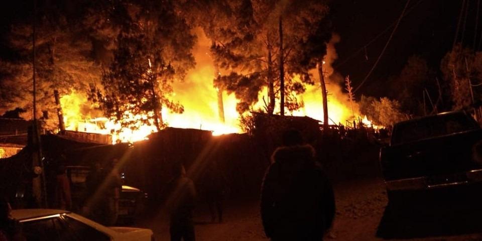 Afectadas por incendio, 50 casas de Pátzcuaro, Michoacán