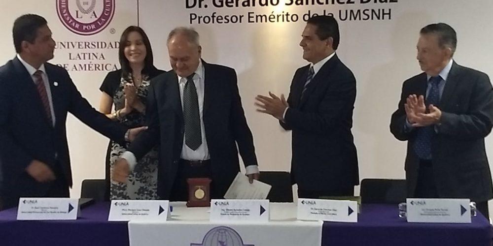El historiador Gerardo Sánchez Díaz es galardonado por la UNLA