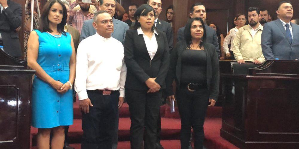 Tesorera de Nahuatzen es designada presidenta municipal sustituta