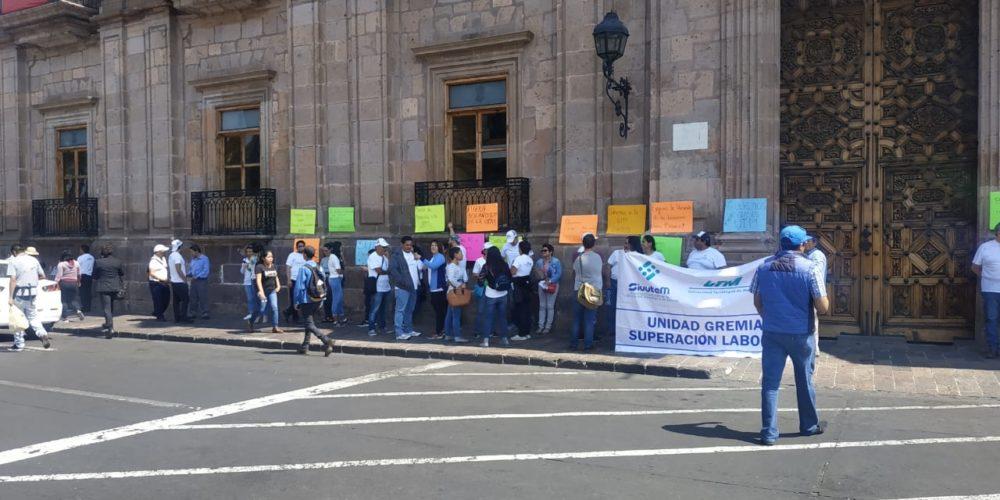 SIUUTEM se manifiesta frente a Palacio de Gobierno; exigen se abra la UTM