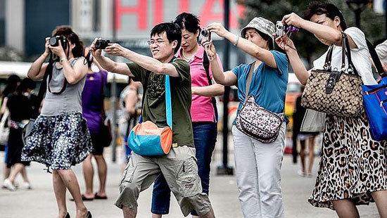 Emite China alerta de viaje a EU