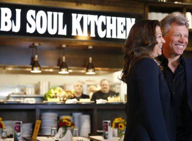 Bon Jovi abrió restaurante; personas pobres no pagan