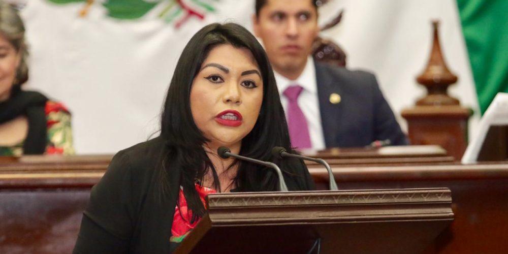 Presenta Brenda Fraga iniciativa de Ley de Juicio Político