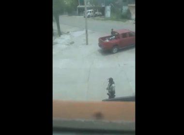 Captan video en que Ministeriales permiten a Viagras estar armados en Michoacán