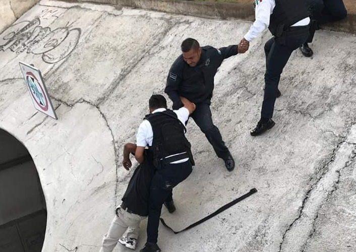 Policías de Morelia evitan suicidio