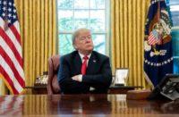 Donald Trump evalúa testificar en investigación de juicio político