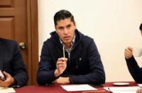 Que se donen salarios de legisladores y prerrogativas; propone diputado