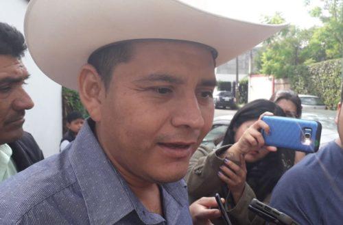 Acusa Cemeí Verdía a exautodefensa de extorsionar a alcalde de Aquila