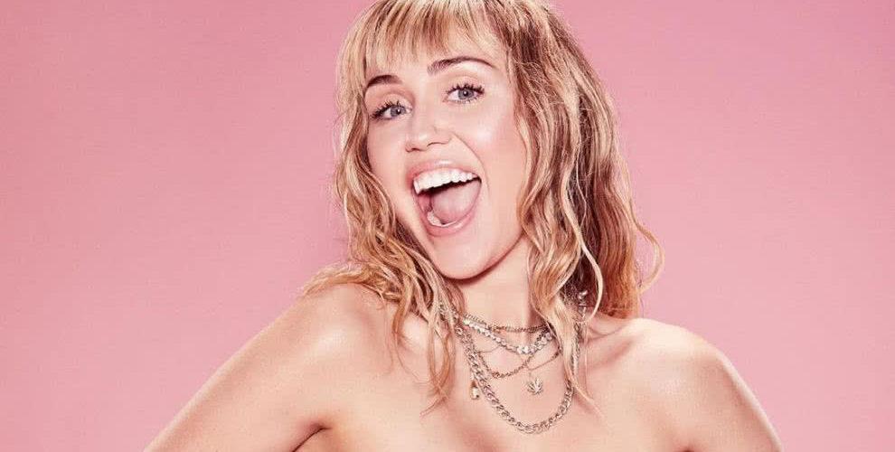 Miley Cyrus es criticada por sus pies