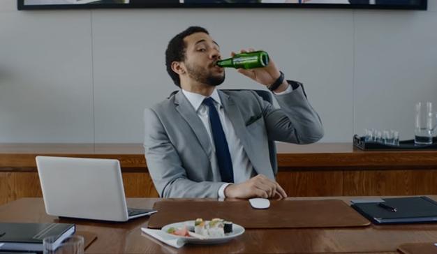 Propone senador que se pueda beber en horas laborales