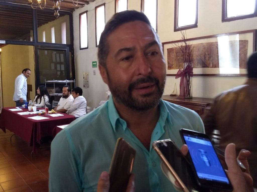 No descarta Víctor Báez contender para gobernador del estado