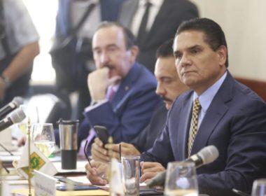 Reprocha Silvano que CNTE pertenezca a la 4T