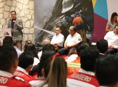 Labor de bomberos, ejemplo de solidaridad de las y los michoacanos: Carlos Herrera